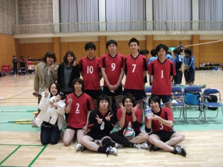 http://mixvolleyball.deci.jp/photo/man20/YO1%20(11).JPG